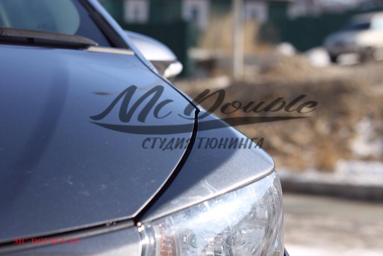 Реснички Toyota Vitz