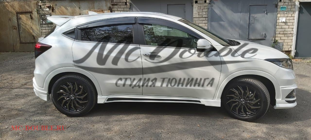 Боковые накладки Mzpeed Honda Vezel