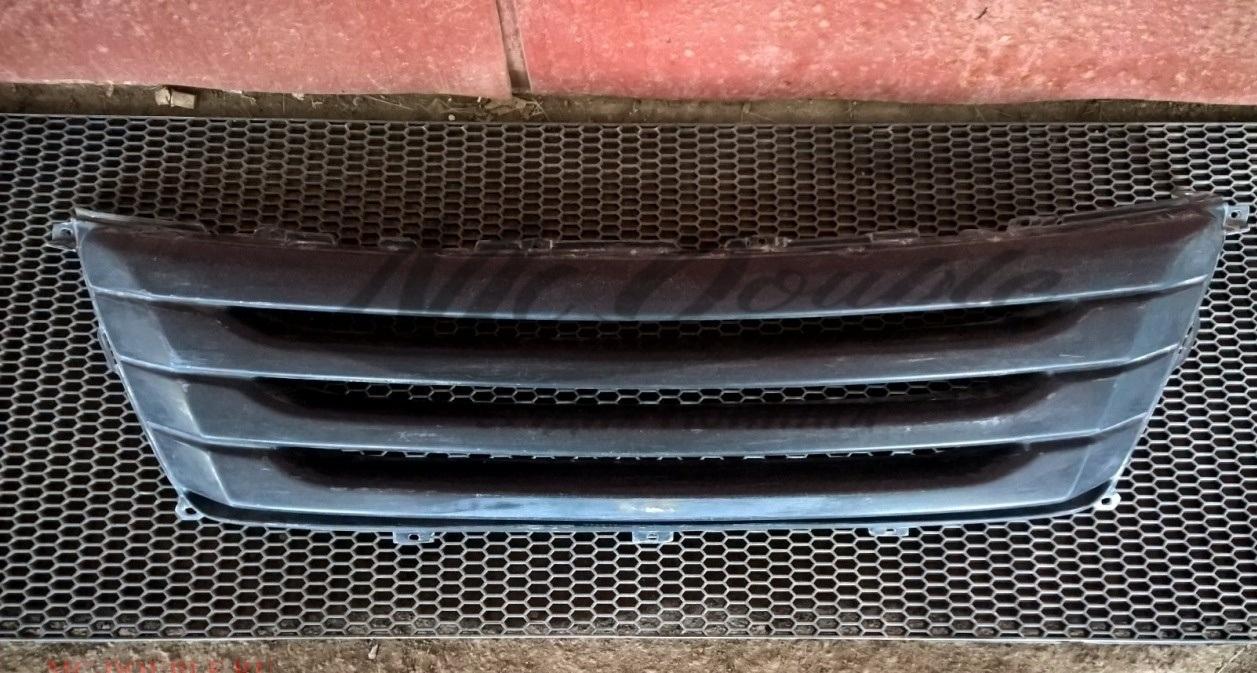 Решетка на радиатора LEXUS RX